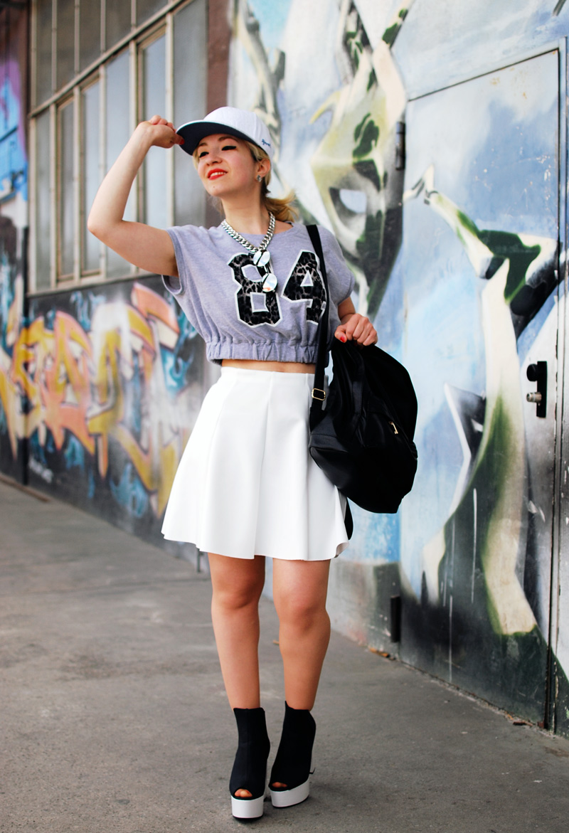 fashionweek-white-summer-trend-skirt-outfit-neopren2