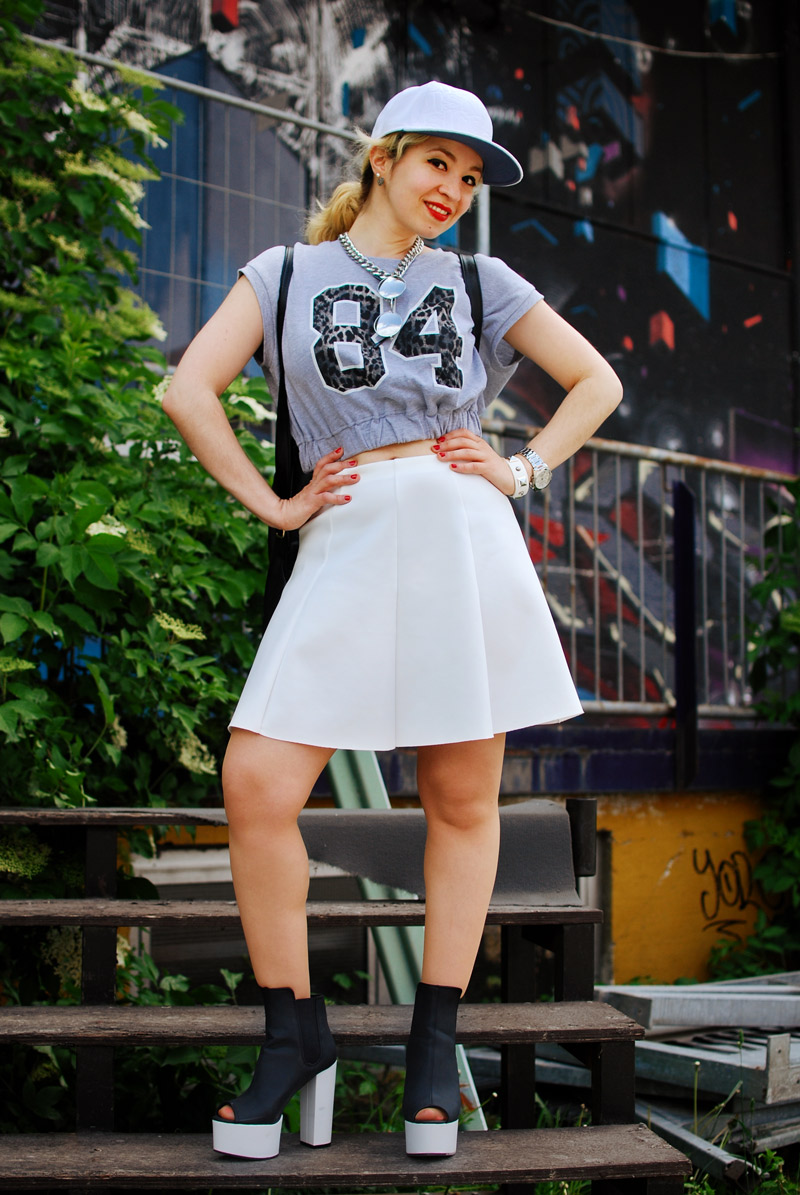 fashionweek-white-summer-trend-skirt-outfit-neopren6
