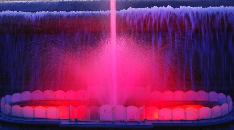 fontmagica-wasserspiele-barcelona-travel-magischerbrunnen-001