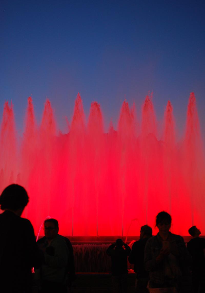 fontmagica-wasserspiele-barcelona-travel-magischerbrunnen7