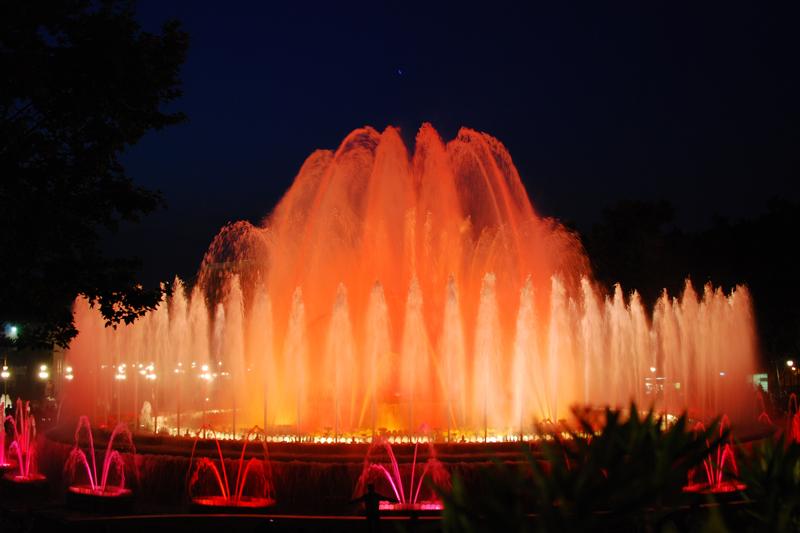 fontmagica-wasserspiele-barcelona-travel-magischerbrunnen9