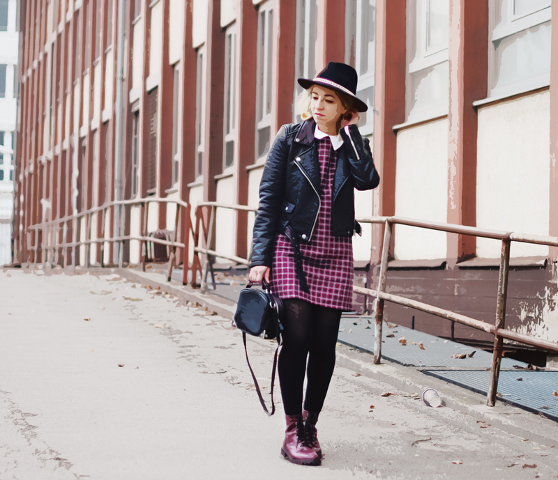 outfit-tartan-dress-zara-blogger-fashion-biker-jacket