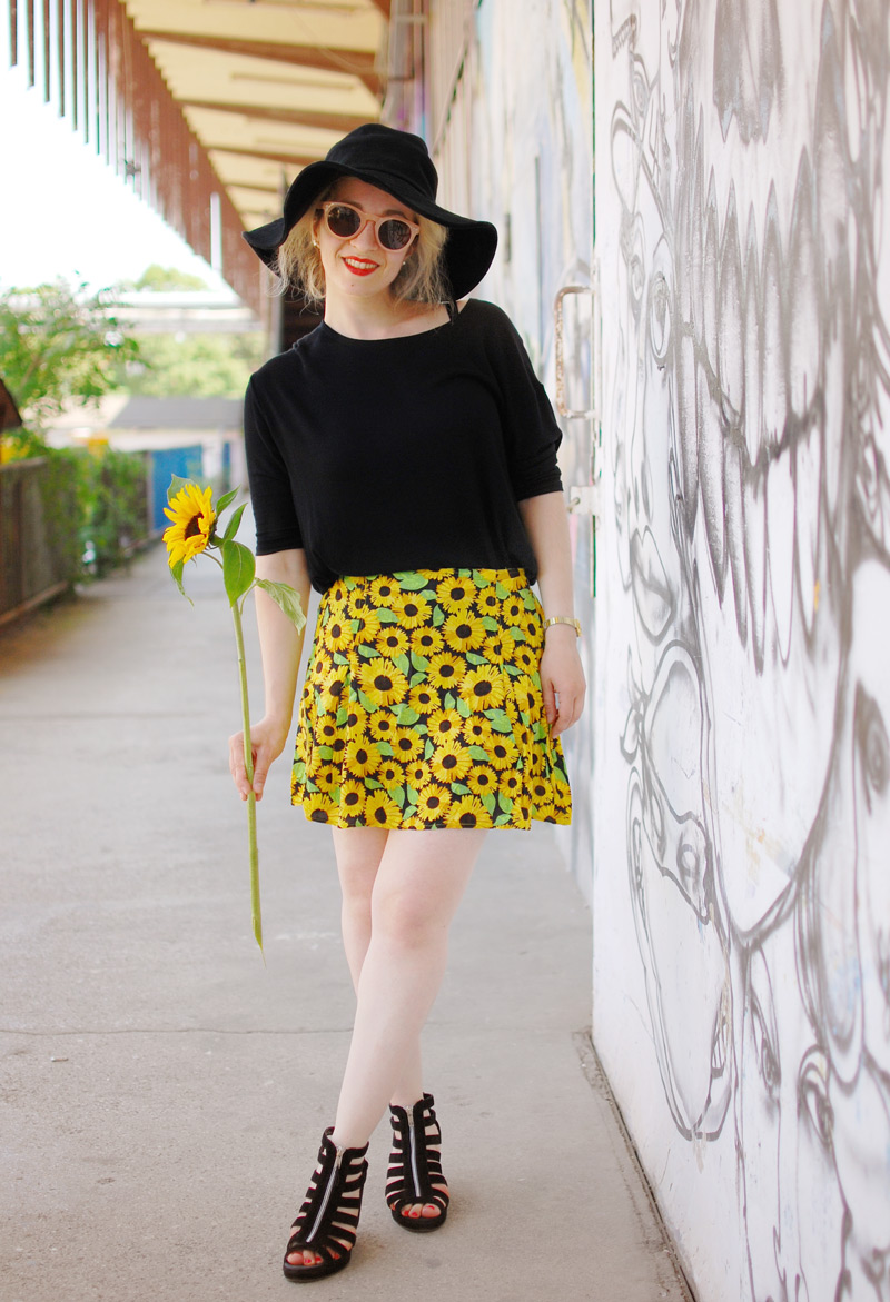 sunflower-floral-skirt-festival-outfit-blogger-fashion2