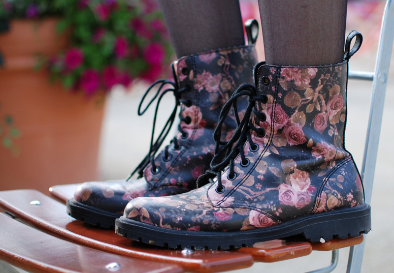 boots-shoes-schuhe-dcmartens-floral-trend-fashion-blogger