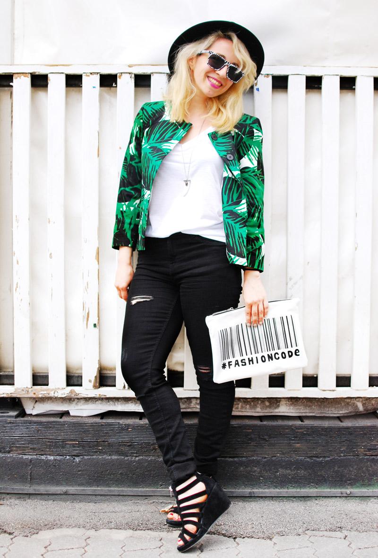 palmen-print-palm-blazer-zara-sale-distressed-denim-edgy-outfit-blogger-fashion5