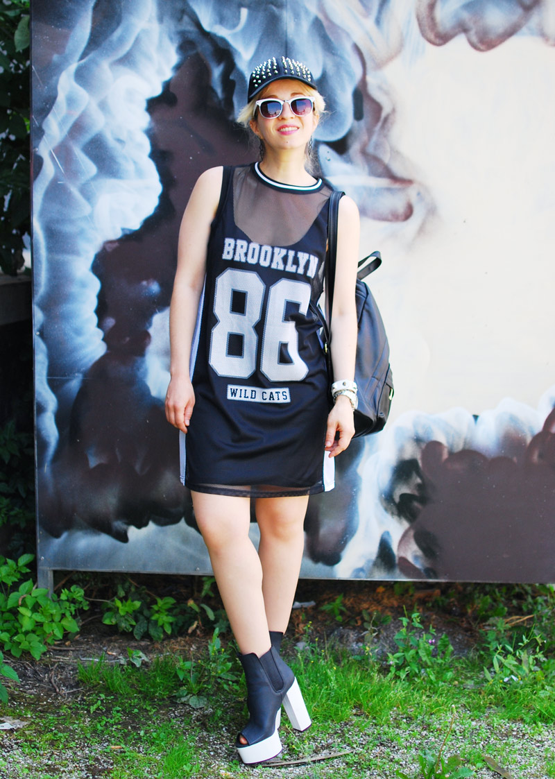 sporty-trend-numbers-dress-monochrome-outfit-blogger-fashion-nachgesternistvormorgen4