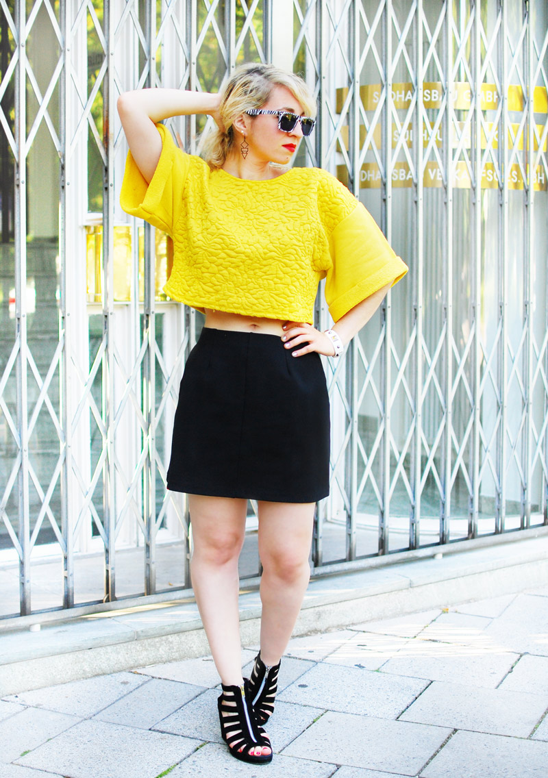 yellow-trend-crop-top-bauchfrei-summer-sweater-outfit-fashion-blogger-look