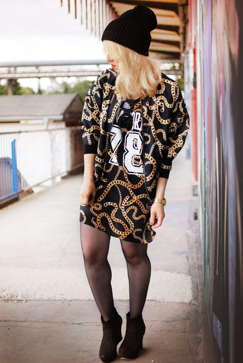 chain-outfit-blogger-ghetto-hiphop-look-trend-autumn-blogger-fashion-mode-gold2