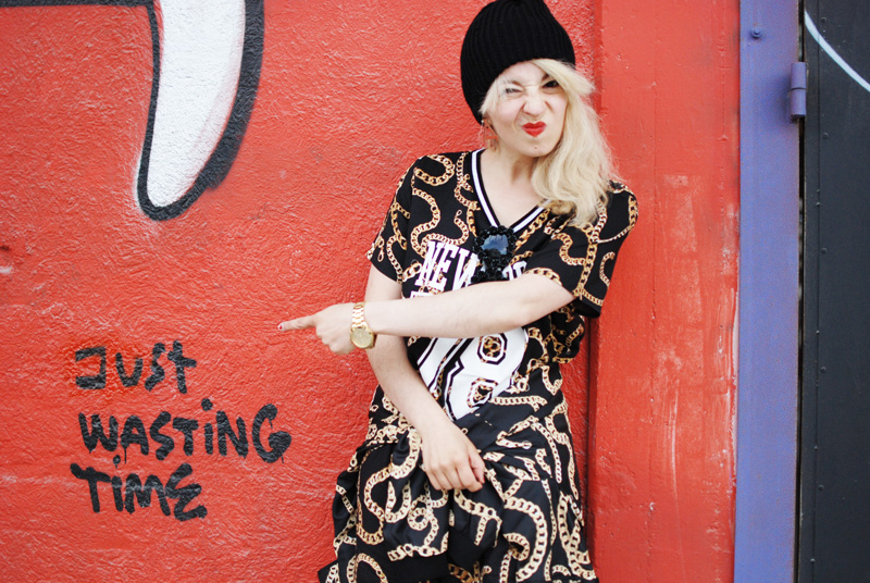 chain-outfit-blogger-ghetto-hiphop-look-trend-autumn-blogger-fashion-mode-gold9