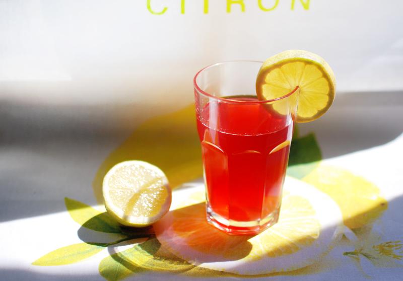 kompott-fruechte-food-sommer-blogger-lifestyle-lecker-gesund-drink
