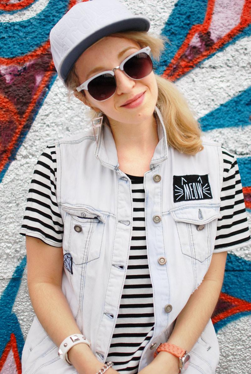 portrait-stripes-streifen-outfit-kleid-dress-fashion-blogger-modeblog-outfit-nachgesternistvormorgen
