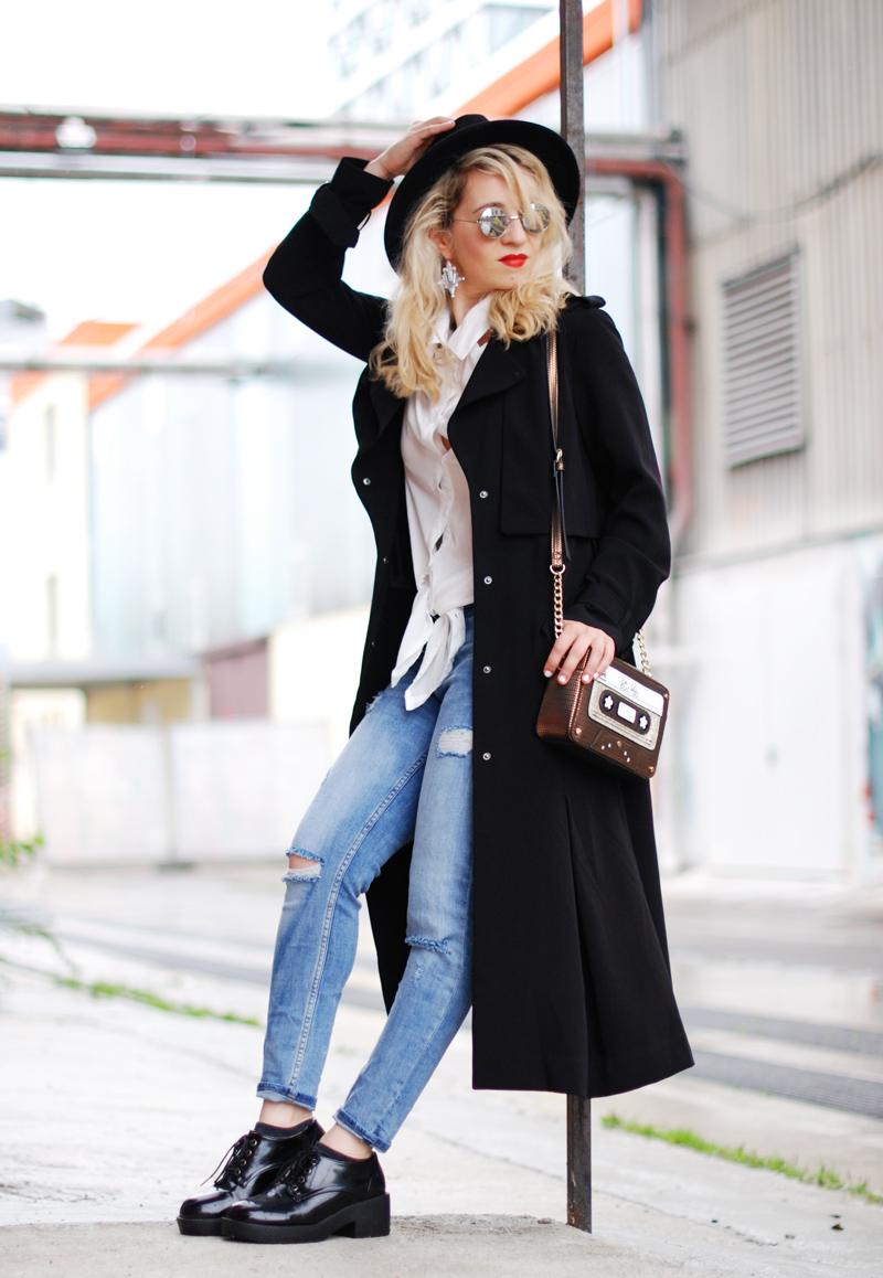 basics-denim-classic-trenchcoat-monochrom-ootd-fashionblogger-4