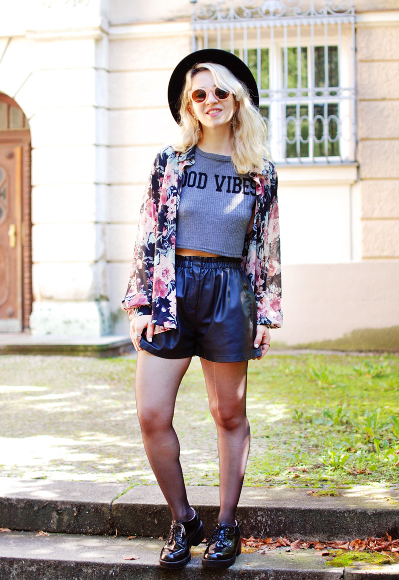 boho-floral-kimono-chiffon-leather-shorts-crop-top-zara-fashionblogger-nachgesternistvormorgen-3