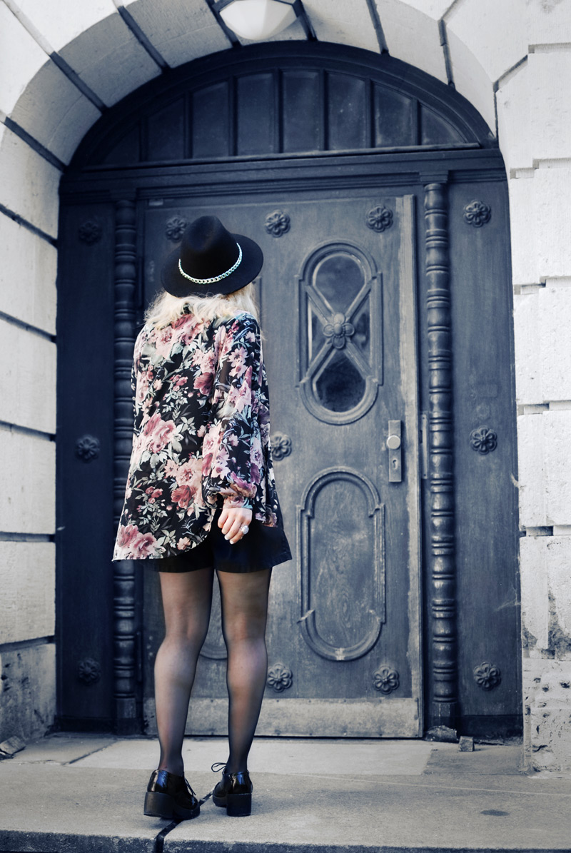 boho-floral-kimono-chiffon-leather-shorts-crop-top-zara-fashionblogger-nachgesternistvormorgen-5-Kopie