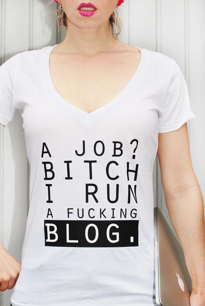 blogging-blogger-outfit-print-statemen-tshirt-knit-winter-pink-3