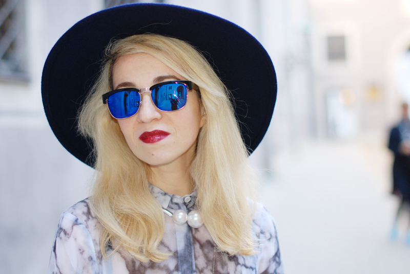 portrait-blue-sunglasses-hat-edgy-blonde-inspiration