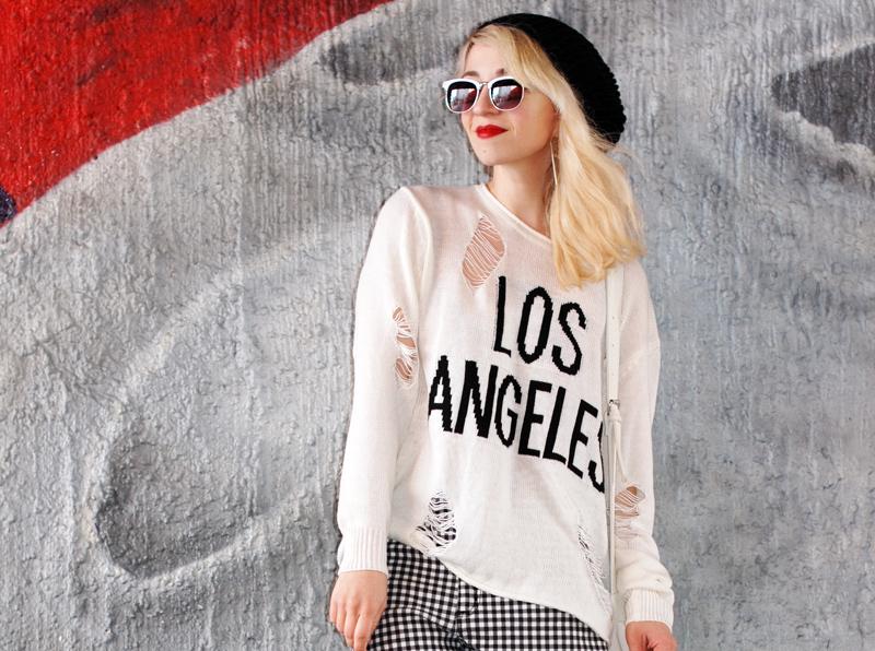 portrait-distressed-sweater-grid-shorts-kariert-monochrom-schwarz-weiß-plateau-trend-muenchen
