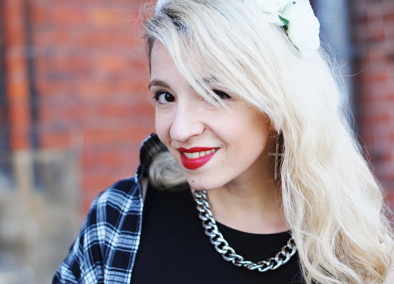 portrait-fashion-blogger-blond