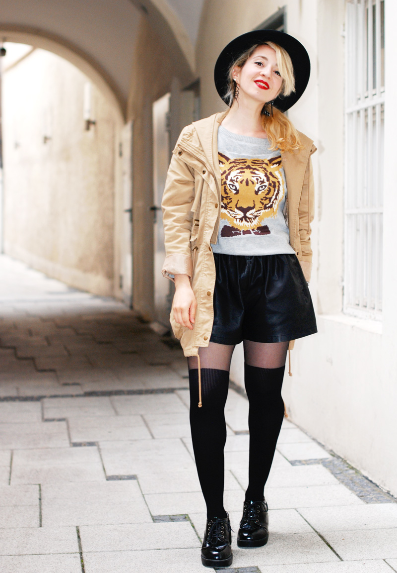 tiger-print-sweater-pulli-overknees-outfit-fashionblogger-muenchen