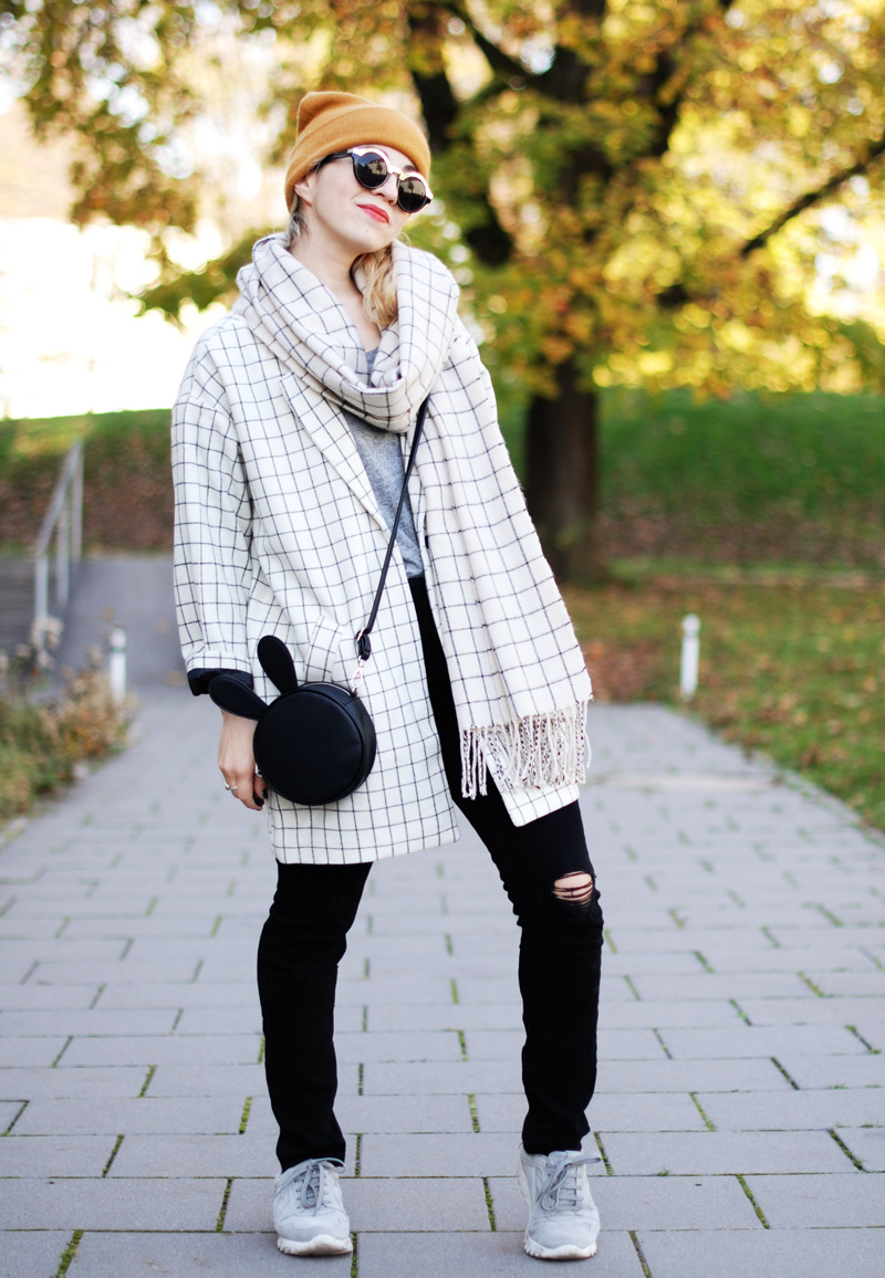 monki-style-checked-coat-karo-mantel-winter-trend-monochrom-outfit-inspiration-blogger-2