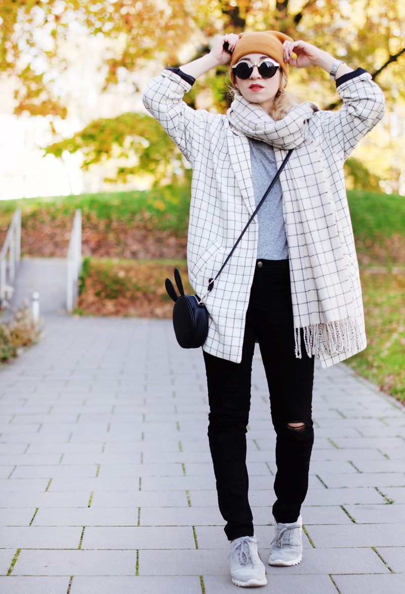 monki-style-checked-coat-karo-mantel-winter-trend-monochrom-outfit-inspiration-blogger-8