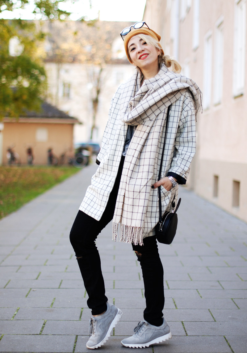 monki-style-checked-coat-karo-mantel-winter-trend-monochrom-outfit-inspiration-blogger-9