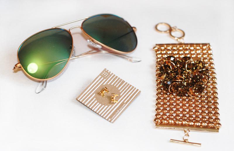 sonnenbrille-armband-ohrstecker-gold-schmuck