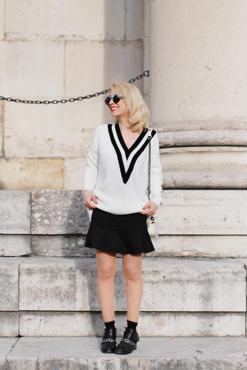 vneck-tennis-pullover-vausschnitt-knit-monochrom-schoesschen-rock-peplum-trend-outfit-11