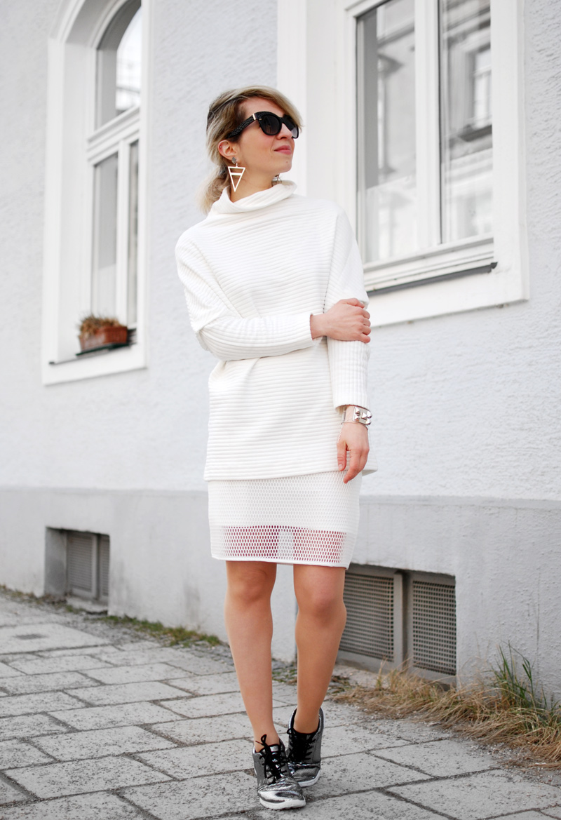 allover-white-outfit-netz-mesh-skirt-sporty-trend-fashion-blogger-11