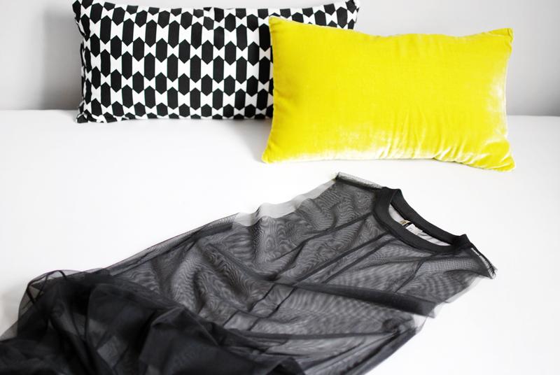 netz-mesh-dress-kleid-kissen-neon-interior