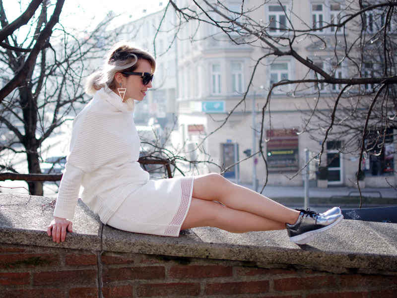 quer-allover-white-outfit-netz-mesh-skirt-sporty-trend-fashion-blogger-2