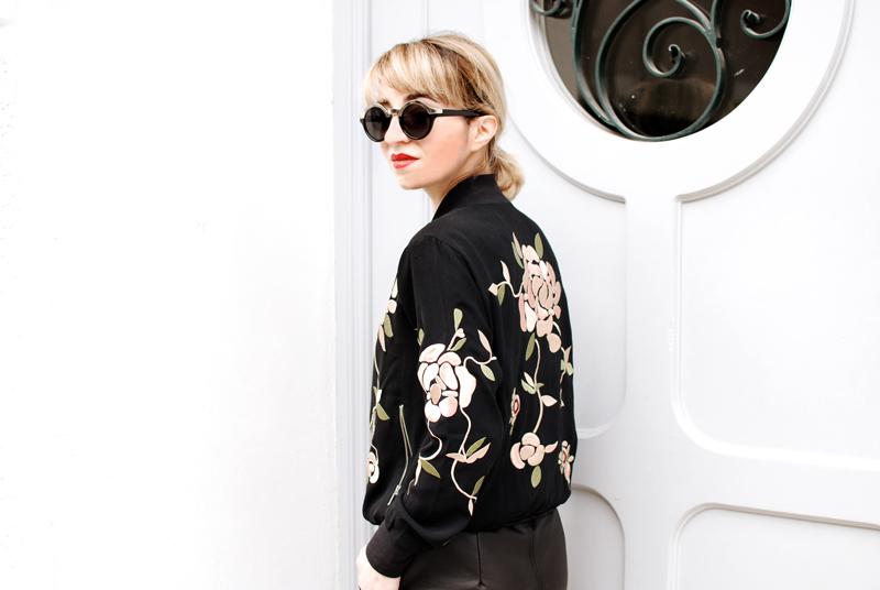 portrait-detail-bomberjacket-floral-Kopie