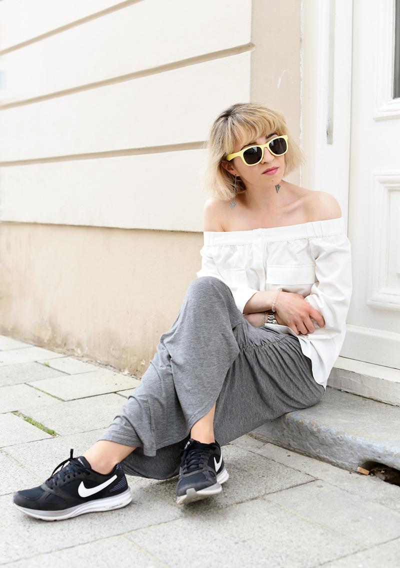 sitzen-offshoulder-blouse-trend-maxiskirt-outfit-fashionblogger-munich