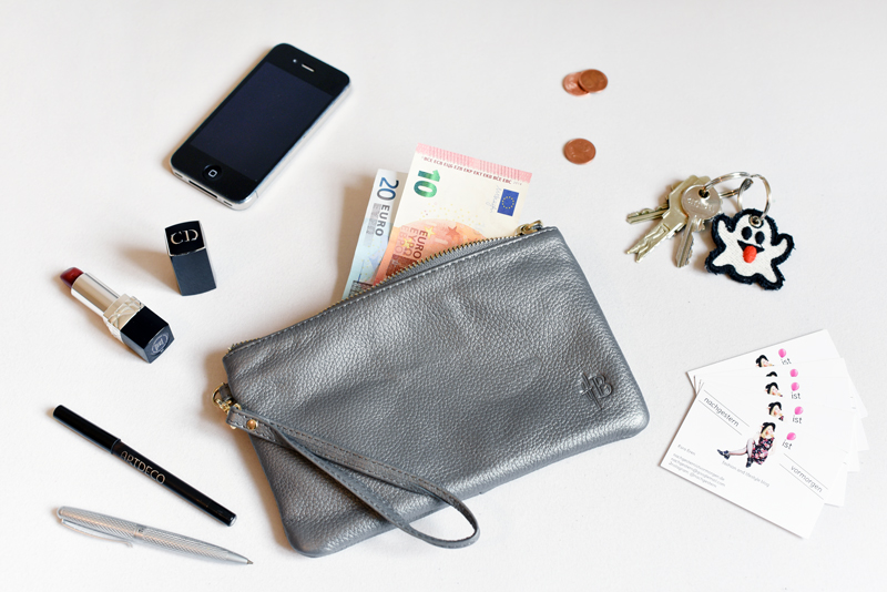 mighty-purse-iphone-apple-akku-desk-arbeitsplatz-blogger-nachgesternistvormorgen-1