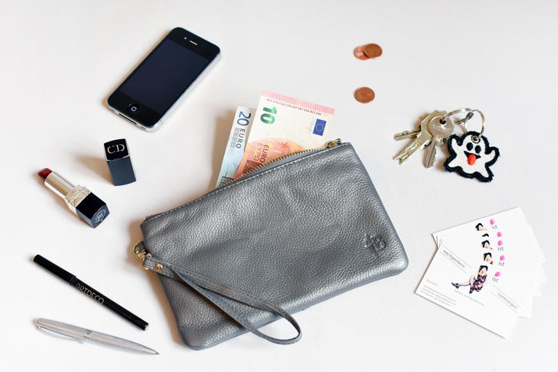 mighty-purse-iphone-apple-akku-desk-arbeitsplatz-blogger-nachgesternistvormorgen-1