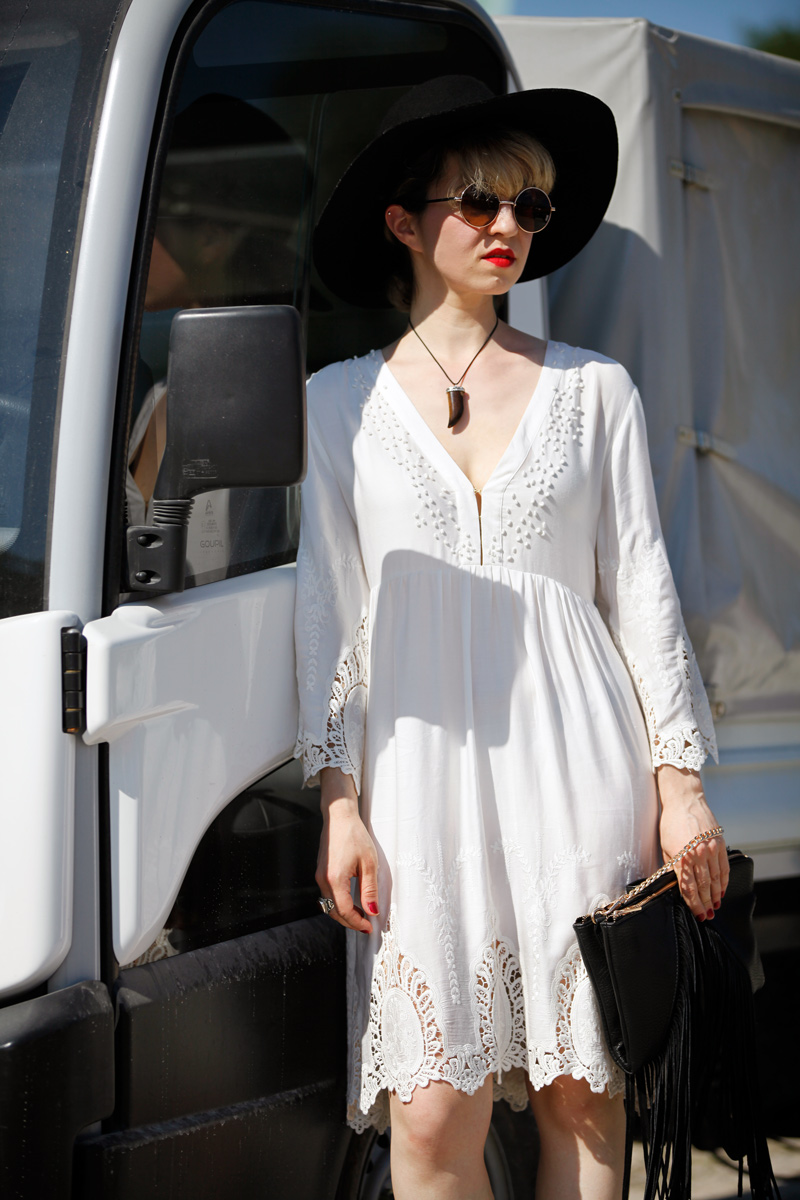 festival-inspiration-white-dress-summer-sommer-kleid-bohemian-romantic-hippie-blogger-fashion-modeblogger-outfit