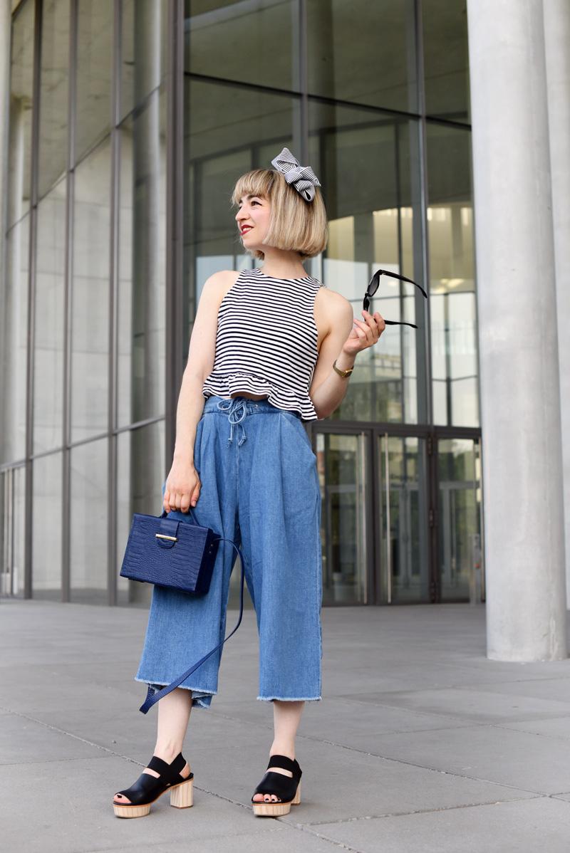 outfit-culotte-denim-trend-fashionweek-berlin-streetstyle-stripes-fashionblogger-modeblog-nachgesternistvormorgen-cos-plateau-sandalen-mbfwb-22