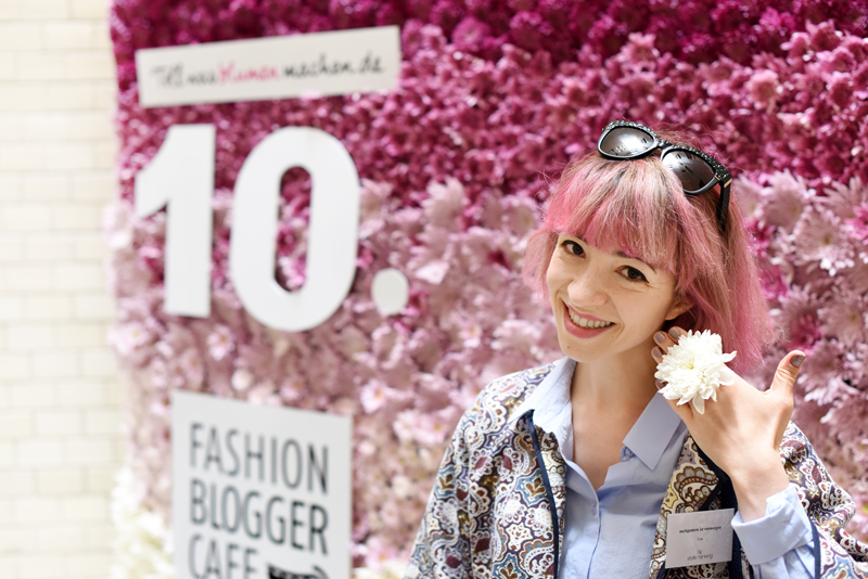 tollwasblumenmachen-fbc15-pinkhair-flowers-geschenk-fashionblogger-cafe-modeblogger-fashionweek-berlin-event