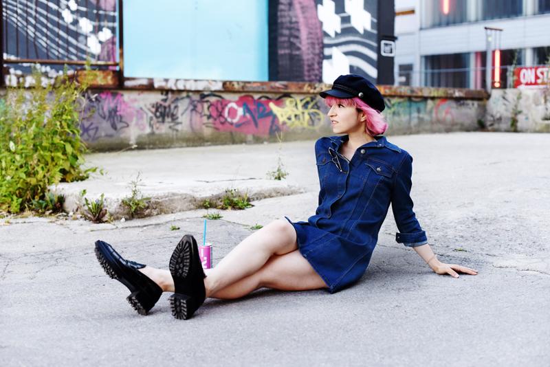 denim-dress-jeanskleid-trend-summer-fall-modeblogger-fashionblogger-nachgesternistvormorgen-outfit-look-pinkhair