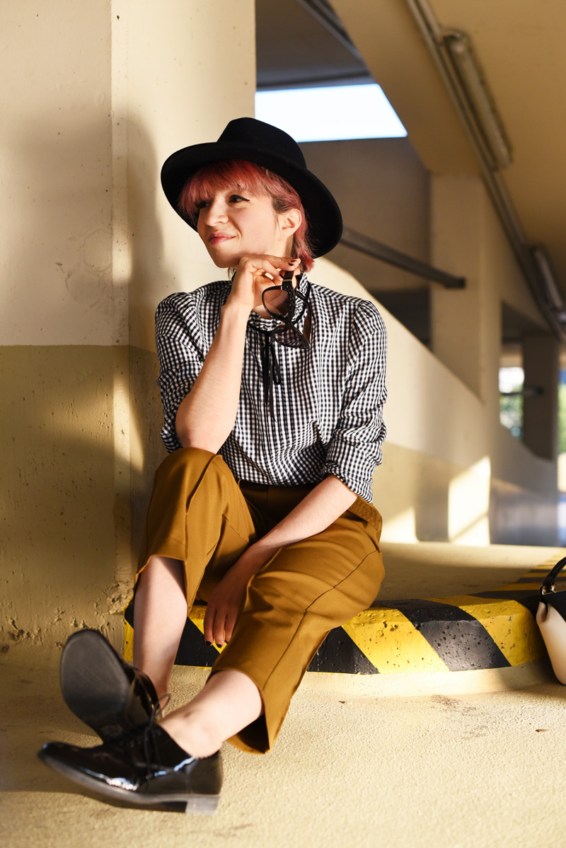 olive-green-highwaist-pants-boyish-outfit-fashionblogger-streetstyle-nachgesternistvormorgen-33