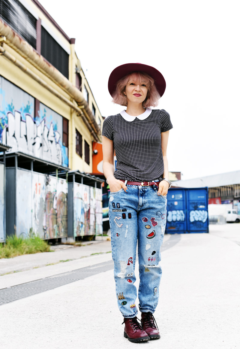 outfit-denim-jeans-zara-patches-docmartens-hat-edgy-style-nachgesternistvormorgen-fashionblog-muenchen-modeblogger-5