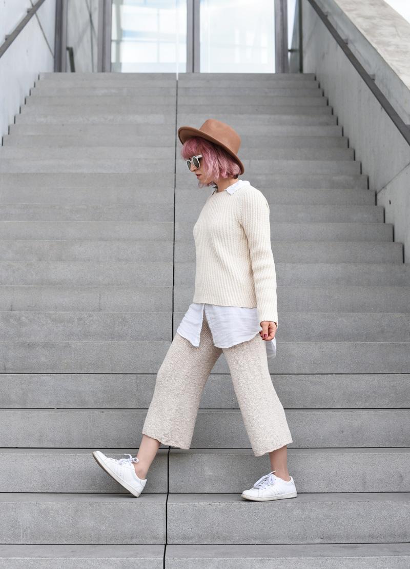 outfit-ootd-knit-strick-culotte-trend-nachgesternistvormormorgen-fashionblog-modeblogger-munich-muenchen-layering-creme-beige-trend-herbst-11