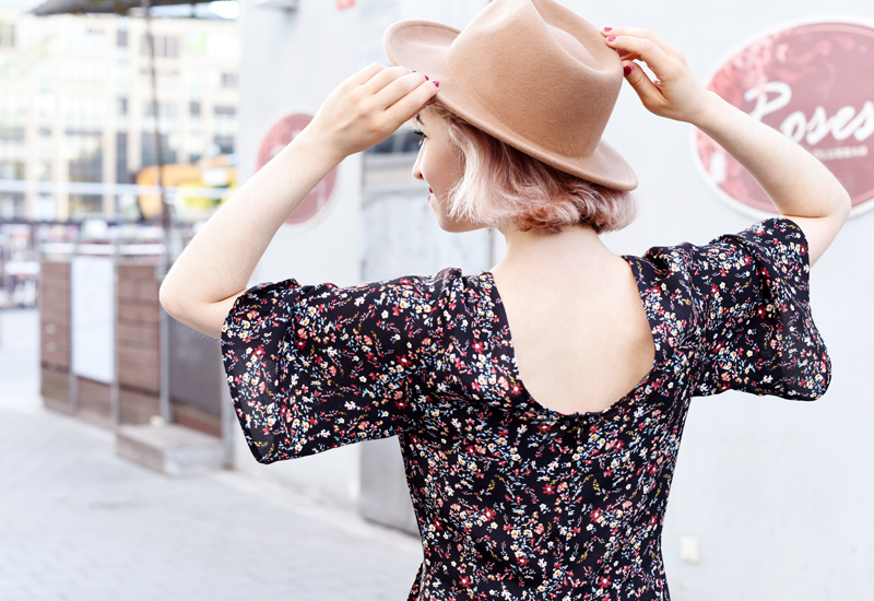 ruecken-hat-fashion-mode-fashionblog-modeblog-floral-millefleurs-bluemchen