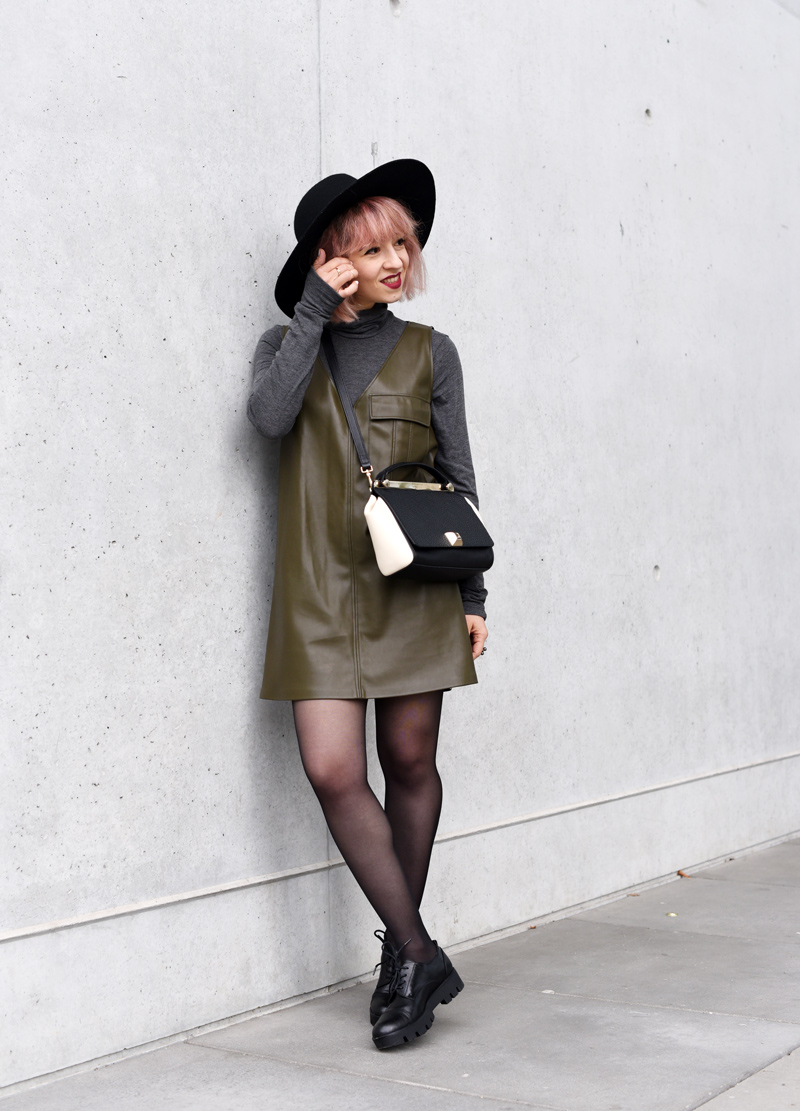 olivegreen-military-leather-vegan-dress-60ies-60ger-outfit-streetstyle-fashionblogger-nachgesternistvormorgen-munich-muenchen-mode-1