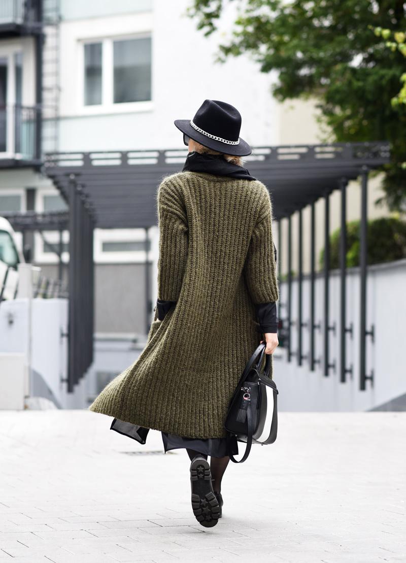 outfit-herbst-look-fall-trend-knit-strick-coat-mantel-olive-green-military-gruen-hallhuber-fashionblogger-modeblog-muenchen-nachgesternistvormorgen-22-Kopie