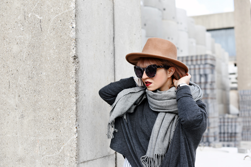 portrait-shades-of-grey-fall-trend-outfit-streetstyle-fashionblogger-nachgesternistvormorgen