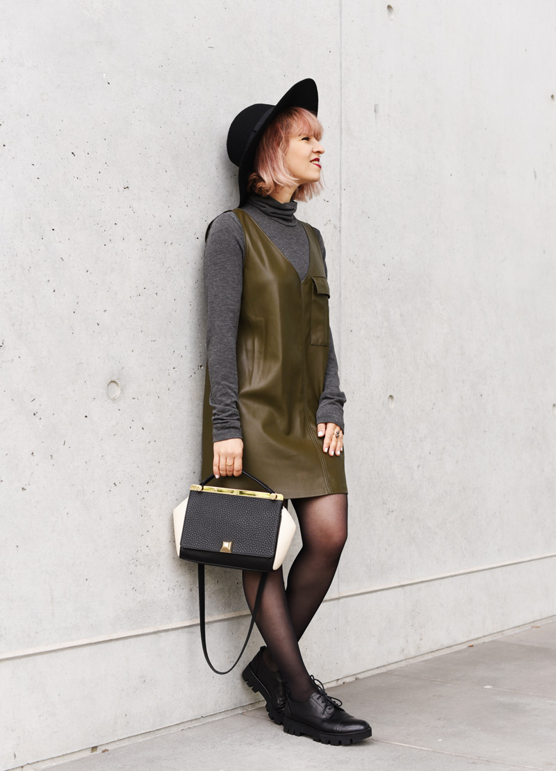 vegan-leather-dress-fall-trend-herbst-blogger-mode