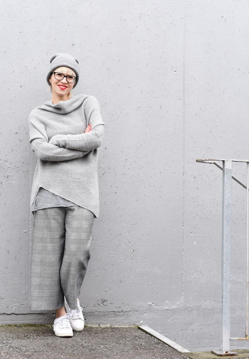allgrey-grey-outfit-nachgesternistvormorgen-muenchen-fashionblogger-modeblog-mode-blog-winter-culotte-grau