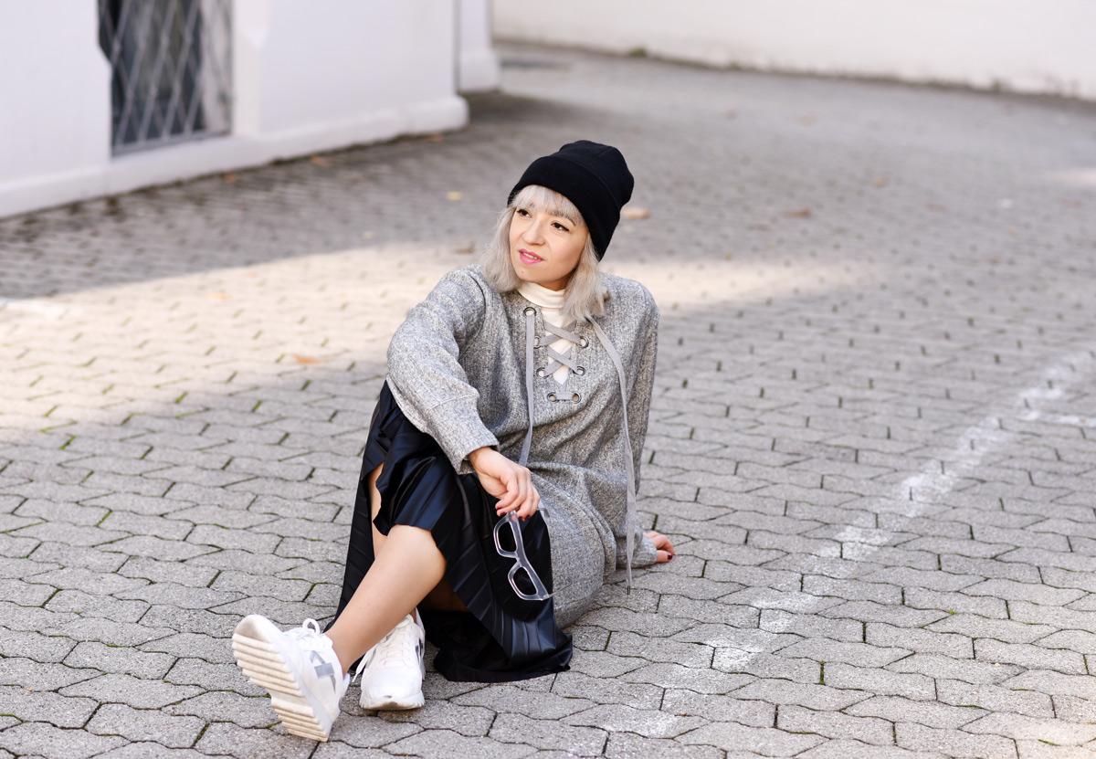 front-row-shop-blogger-fall-winter-grey-nachgesternistvormorgen-muenchen-skirt-lace-up-dress-trend-fashionblogger-5