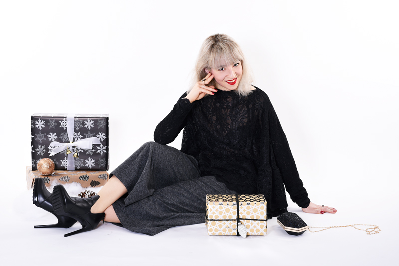 christmas-weihnachten-outfit-inspiration-spitze-culotte-hosenrock-nachgesternistvormorgen-fashion-modeblog-modeblogger-muenchen-style-festlich-party-sit